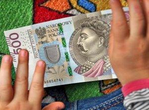 Polacy chcieliby ograniczenia 500 plus w zamian za niższe podatki